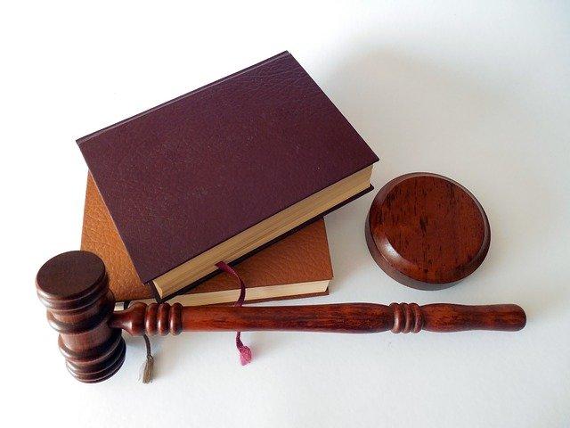 Droit commercial: Fonctionnement, rôle et enjeux
